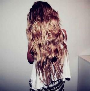 Najčastejšie príčiny. nadmerné česanie vlasov syntetickou kefou 384430bb939